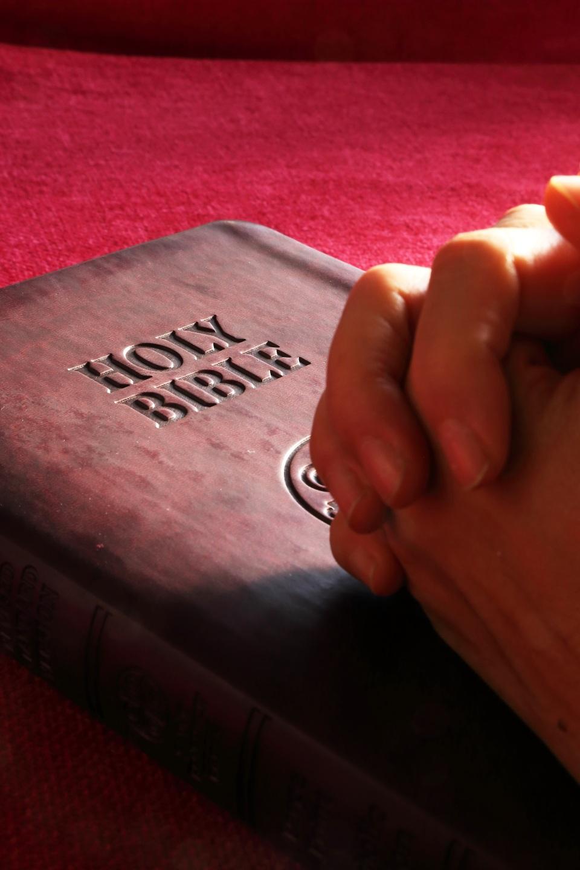 Praying via Pexels - Creative Commons