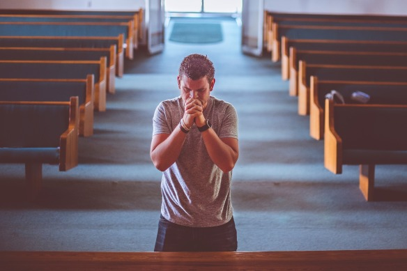 Man praying in church - Pixabay - CC - no attribution required